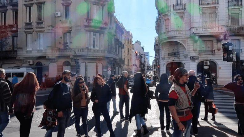 サンテルモ市場,ブエノスアイレス,日曜市,ショッピング,グルメ,観光,アルゼンチン