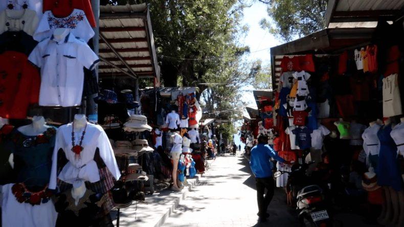 アンティグア,パナハッチェル,行き方,アイスクリーム,街並み,カフェ,グルメ,レストラン,日本料理,グアテマラ