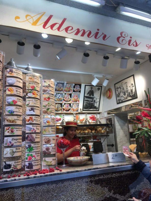ドイツ,ベルリン,グルメ,おすすめ,アイスクリーム,アジア料理,ソーセージ,美味しい