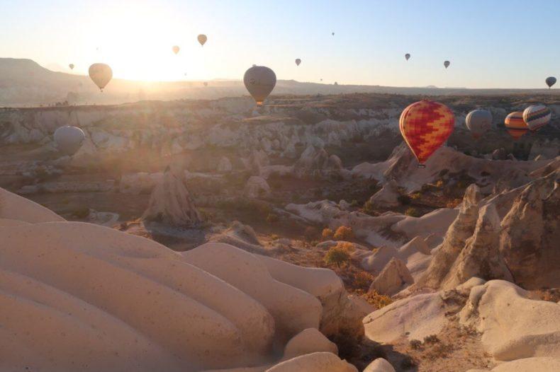 トルコ,カッパドキア,気球,ツアー